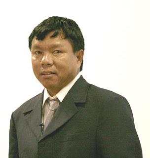 Dr Mahabir Pun